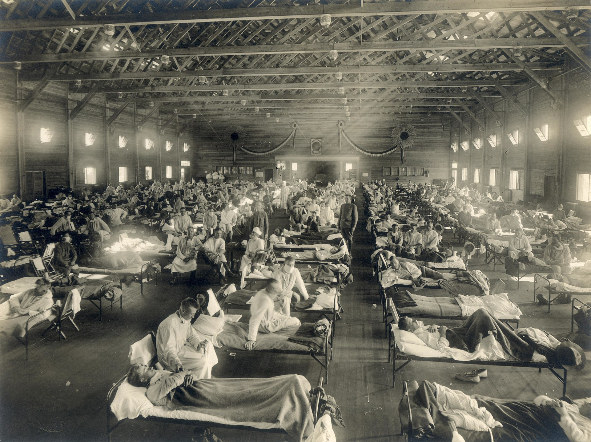 1920_Emergency_hospital_during_Influenza_epidemic