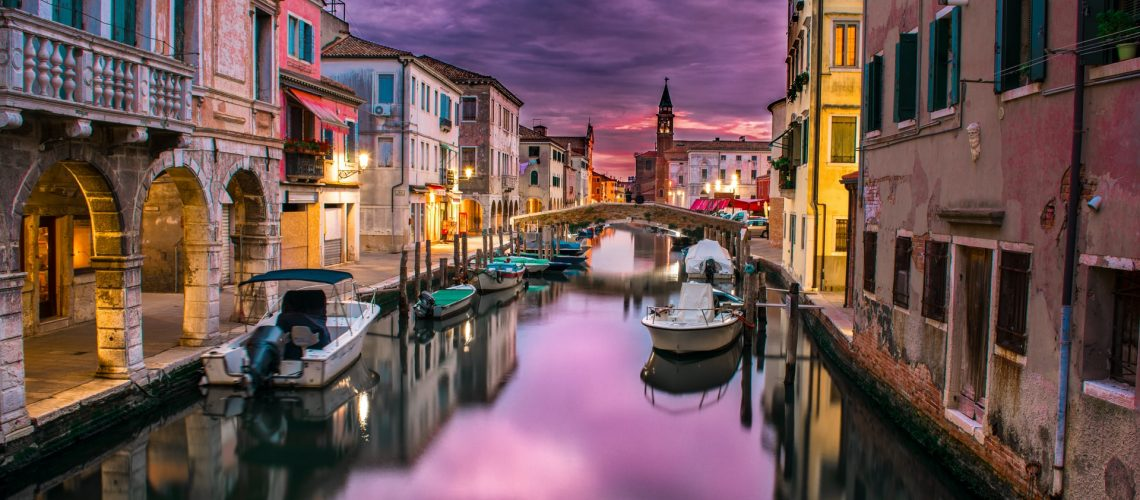 Venice, Italy. Photo @ Federico Beccari for Unsplash.